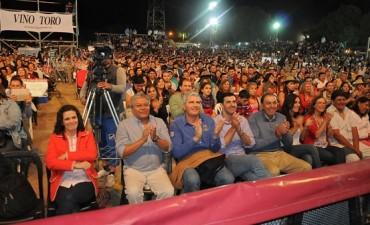 Miles de espectadores en la primera jornada del Festival del Poncho en Molinos