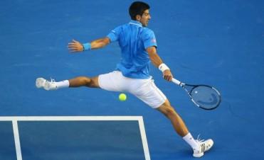 Djokovic se transforma en Becker y destroza a Raonic