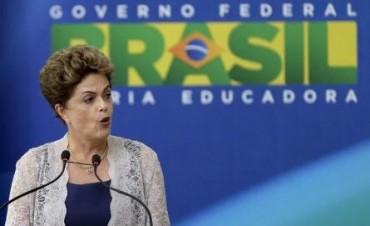 Brasil:Rousseff reafirma compromiso con ajustes y reconoce que el año pasado fue duro