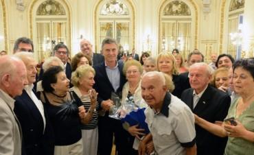 Macri recibió en Casa de Gobierno a sobrevivientes del Holocausto
