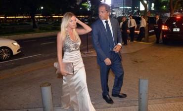 Scioli: Su novia figuraba como tripulante en los vuelos al exterior