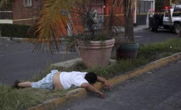 Tres muertos en los disturbios por el alza del precio de la gasolina en México