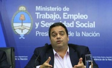 Triaca defendió la vuelta de las pasantías y llamó a sindicalistas a sacarse los prejuicios