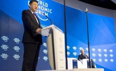 Xi advierte en Davos de que no hay vencedores en una guerra comercial