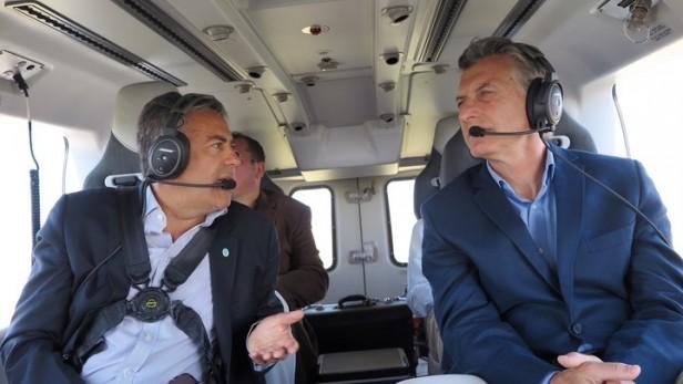 Gobernador de Mendoza y Mauricio Macri sobrevuelan zona incendio
