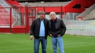 Hugo y Pablo Moyano en la cancha