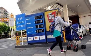 Las petroleras se preparan para aplicar otro aumento en los combustibles