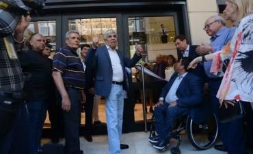 Con Triaca y sin Macri, Hugo Moyano inauguró un sanatorio en Caballito