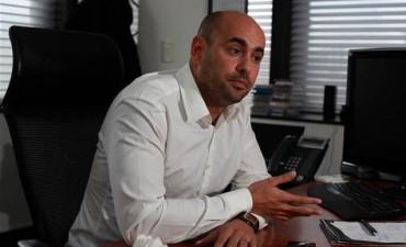 Moyano y el dueño de OCA son investigados por millonarios negocios
