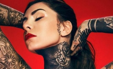 Candelaria Tinelli sorpresa panza tattoo