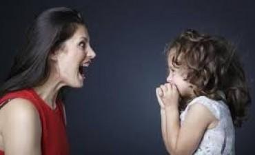 Deja de gritar, es importante