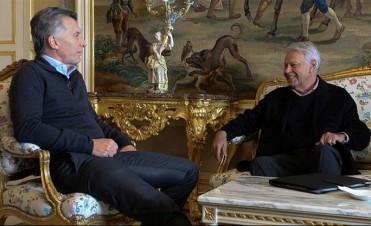 Macri se reunió con expresidentes antes del regreso al pais