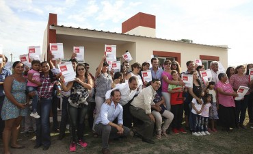 En la Candelaria 30 familias estrenan casa