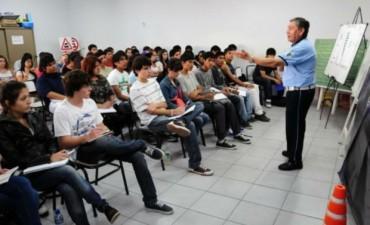Licencia Conductores jòvenes 17 años inician los cursos
