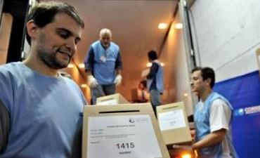 24 municipios de Río Negro votan este domingo