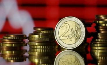 Los operadores se preparan para una sacudida del euro tras las elecciones francesas