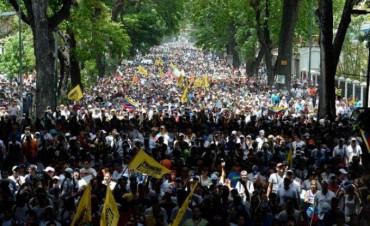 Muere otra persona en Venezuela durante protestas contra el Gobierno de Maduro