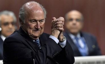 FIFA:Joseph Blatter sobrevivió al escándalo de corrupción