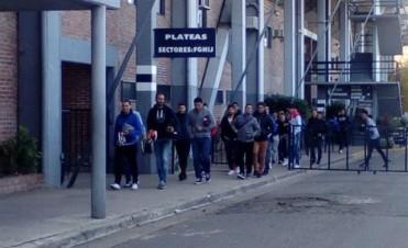 Jugadores de Quilmes continúa con la huelga