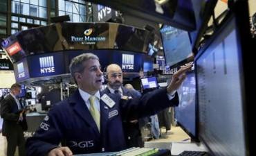 Wall Street los inversionistas mantienen optimismo a la espera de las Actas de la Reserva Federal