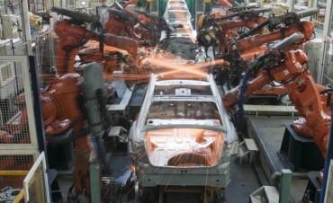 La actividad económica creció 3,3% en un año