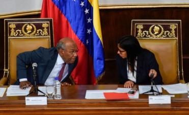 Constituyente de Venezuela disuelve la Asamblea Nacional