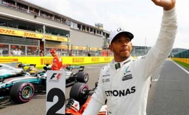 Lewis Hamilton logra la pole en Bélgica e iguala récord de Michael Schumacher