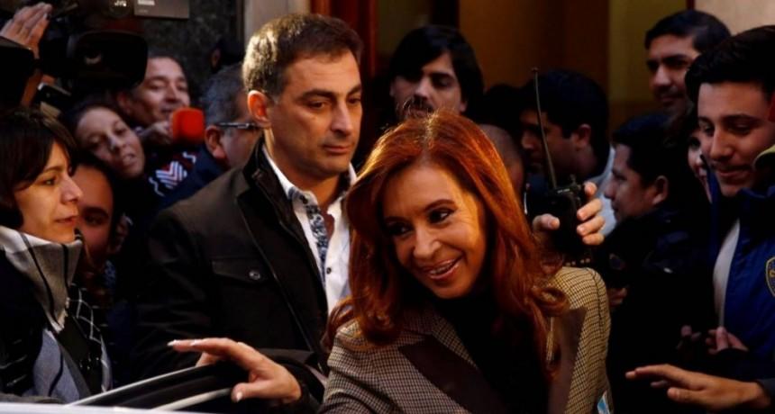 Cristina comprometida con un testimonio secreto
