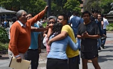 Un fuerte sismo sacude nuevamente a México EN VIVO