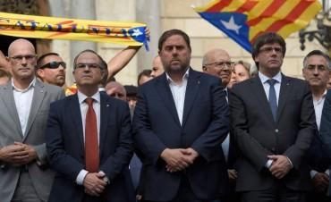 Cataluña podría declarar este martes la independencia y Madrid se prepara para responder