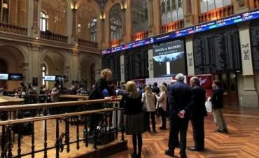 Bolsas de Europa operan con mayoría de alzas a la espera de resultados empresariales
