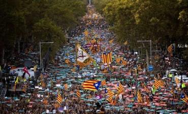 Rajoy manda intervenir al gobierno catalán y controlar el Parlamento