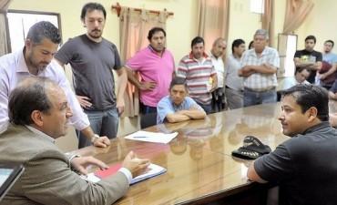 El concejal Gastón Galíndez convocó a taxistas al Concejo Deliberante