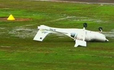 """En Australia una tormenta  """"arrojó aviones como juguetes"""""""