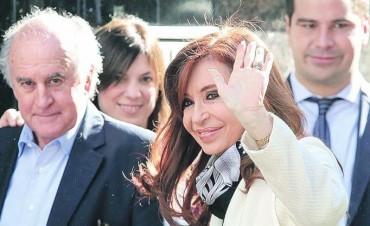 Ratifican el embargo de 10.000 millones de pesos contra Cristina Kirchner Asociación ilícita