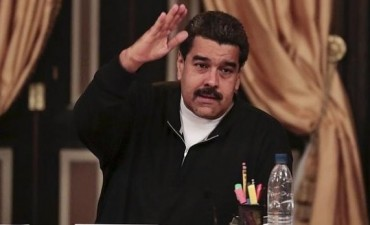 Maduro pide la dimisión de sus ministros tras la derrota