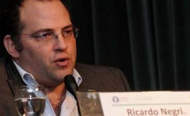 El ministro de Agricultura de Río Negro fue recibido por Negri para analizar la crisis frutícola
