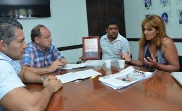 Villada y Galíndez se reunieron con miembros de la Comisión de Familiares contra la Impunidad
