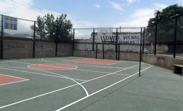 Barrios de la ciudad cuentan con nuevos playones deportivos