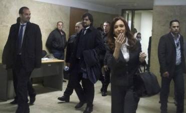 Ordenan reabrir la denuncia de Nisman contra Cristina Kirchner por encubrir a Irán en el atentado a la AMIA