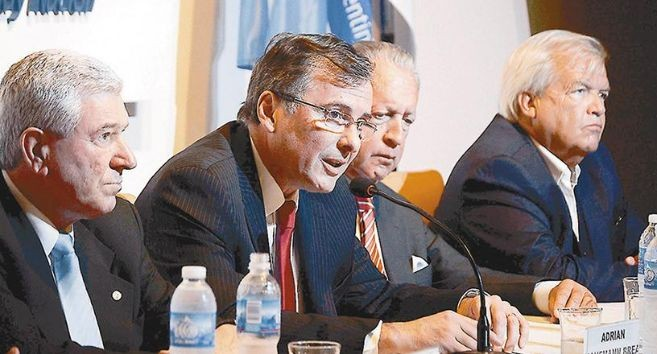 UIA le presenta a Dujovne su propuesta tributaria