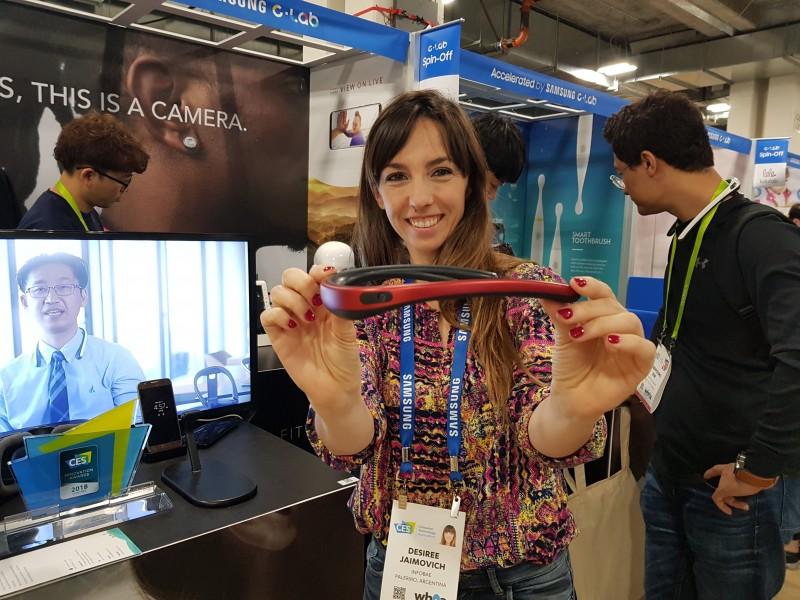 Un collar graba videos en 360 grados