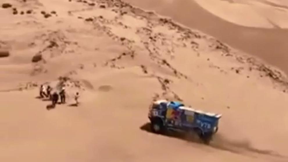 Dakar:camiòn se fuga al atropellar espectador