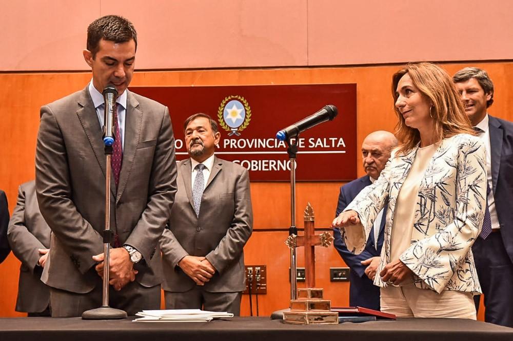 Asumieron nuevos funcionarios en tres Ministerios