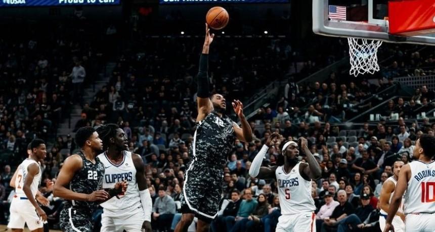 Los Clippers frenan la sequía venciendo a los Spurs