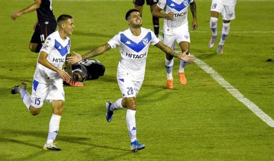 Vélez derrotó a Newell's por la zona B