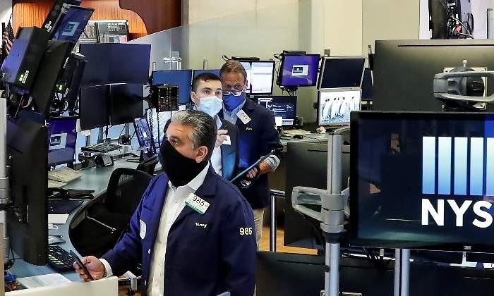 Wall Street cae presionado por bancos y acciones de energía