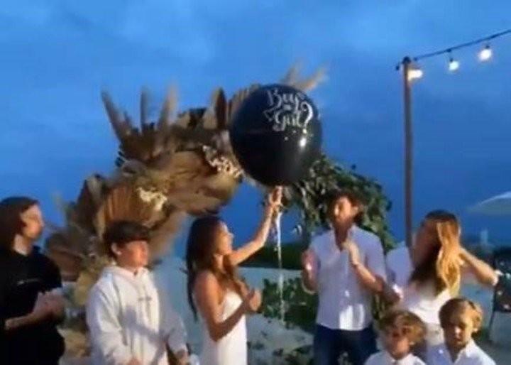 Pampita en su cumpleaños confirmó su embarazo