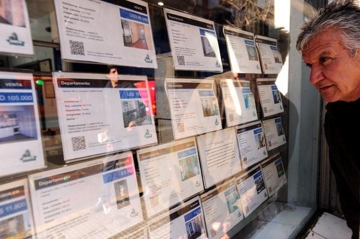El gobierno analiza extender el congelamiento de los alquileres