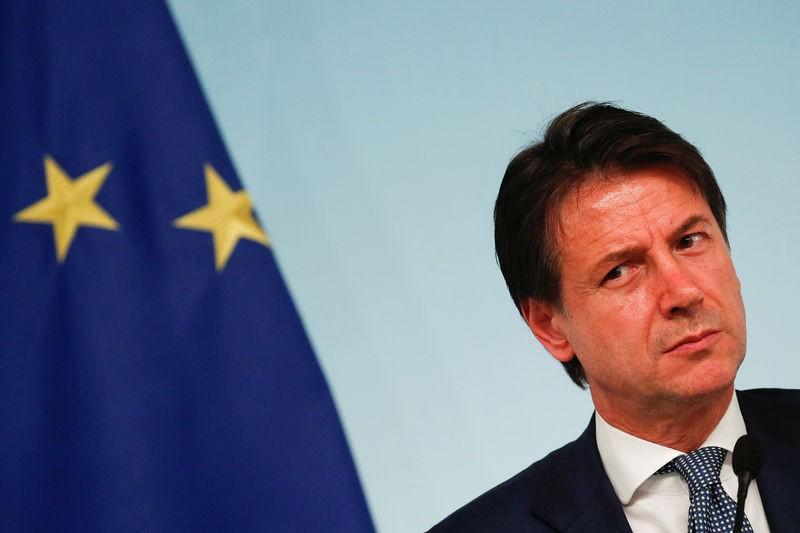 Dimite Giuseppe Conte, primer ministro de Italia